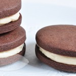 Sándwiches de galleta de chocolate y crema de mantequilla de cacahuete