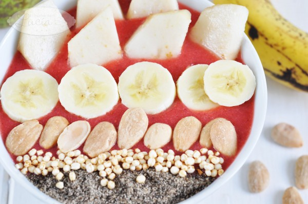 smoothie bowl de quinoa chia fruta cereales